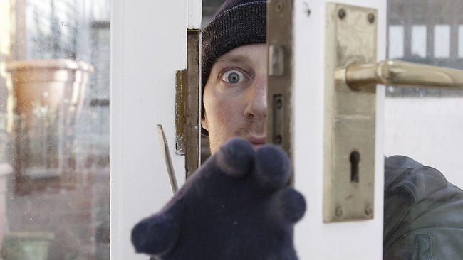 515152-thief